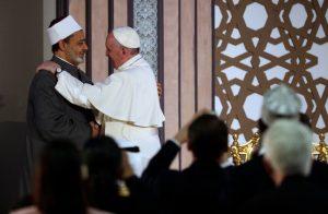 Francois-rencontre-Ahmad-Al-Tayyib-Grand-Imam-luniversite-Al-Azhar-Caire-vendredi-28-avril-2017_0_728_476